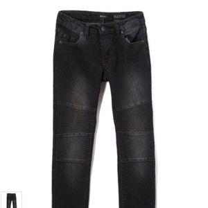 DKNY   Wooster Black Greenwich Skinny Jeans 14